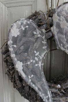 Angel wings on wreath www.facebook.com/blomkjeenwenje