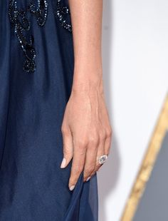 Pin for Later: Mit diesen Maniküren verpassen die Stars ihrem Look den letzten Schliff Sofia Vergara, Oscars