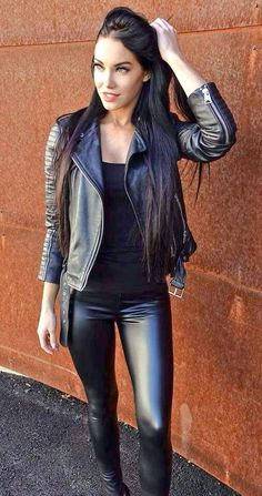 Lovely Ladies in Leather: Miscellaneous Leather Tight Pants and Shiny Leggin… Lovely Ladies in Leather:Miscellaneous Leather Pants and Shiny Leggings(Part Tight Leather Pants, Leather Pants Outfit, Leather Jeans, Leather Dresses, Tights Outfit, Leather Jacket, Shiny Leggings, Leggings Are Not Pants, Jeans Leggings