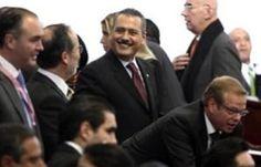 Reforma fiscal debe ampliar base gravable.  @MFBeltrones.    http://www.eluniversal.com.mx/notas/889445.html