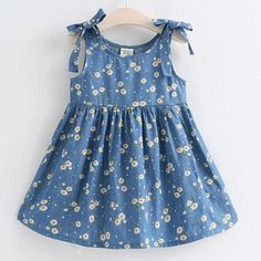 Buy Daisy Print Bowknot Sleeveless Dress online with cheap prices and discover f… Kaufen Sie Daisy Print Bowknot ärmelloses Kleid. Baby Girl Frocks, Frocks For Girls, Toddler Girl Dresses, Girls Dresses, Baby Summer Dresses, Cute Little Girl Dresses, Cheap Dresses, Girls Frock Design, Baby Dress Design
