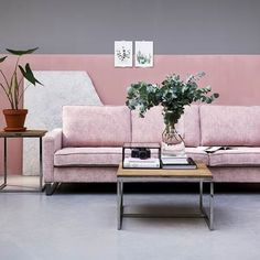Do you want to make sure your home decor is inspired by the most innovative and trendy interior design? Interior Rugs, Interior Design Tips, Interior Design Inspiration, Home Decor Inspiration, Cafe Interior, Dark Interiors, Home Decor Trends, Elle Decor, Houston