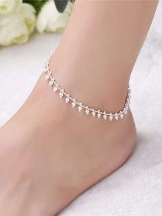 To find out about the Faux Pearl Decorated Chain Anklet at SHEIN, part of our latest Body Jewelry ready to shop online today! Silver Anklets Designs, Anklet Designs, Ankle Jewelry, Body Jewelry, Ankle Chain, Romwe, Anklet Bracelet, Indian Jewelry, Jewelery