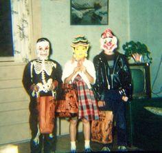 Vintage 1950's Kodachrome Color Slide Halloween Trick or Treat 3 Children
