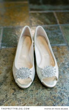 Silver wedding shoes | Shoes: Butter Shoes, Photography: Pasha Belman Photography