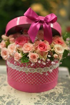 Roses & gypsophila