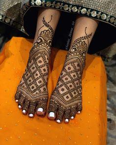 Traditional Henna Designs, Stylish Mehndi Designs, Latest Bridal Mehndi Designs, Full Hand Mehndi Designs, Mehndi Design Photos, Wedding Mehndi Designs, Mehndi Designs For Fingers, Mehndi Designs For Hands, Leg Mehendi Design
