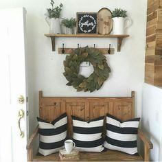 Bench, hooks, shelf - love!