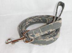 This handmade US Air Force Camo Pattern dog leash is constructed with heavy interfacing and a top quality nickel plated swivel snap hook.