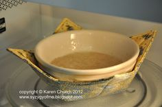 Make It: Fat Quarter Bowl Potholder - Tutorial (Perfect for removing a hot bowl from a microwave!) #sewing #home #DIY