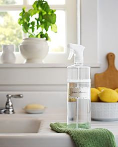 We've got lots of great reasons to make your own window cleaner. Watch how to make three of the very best tried-and-true homemade window cleaner recipes out there. Diy Window Cleaner, Window Cleaner Recipes, Homemade Glass Cleaner, Diy Cleaners, Cleaners Homemade, Glass Cleaners, Bathroom Cleaning Hacks, House Cleaning Tips, Cleaning Diy