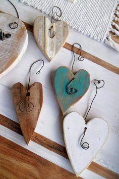 Recycelte Möbel: Stil für Nichts geht verloren 31 Indoor Woodworking Projects to Do This Winter Wood Projects That Sell, Wood Projects For Beginners, Scrap Wood Projects, Woodworking Projects, Craft Projects, Woodworking Furniture, Woodworking Box, Woodworking Machinery, Valentine Crafts