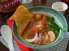 Taste of Siam: Yen Ta Fo (เย็นตาโฟ)