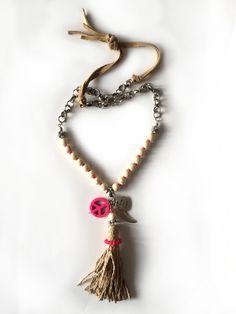 Redcor Kette mit Liebe von Hand gefertigt! - Perlenkette, Quaste, Feder, Peace