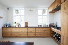 Kitchen Cupboards, Kitchen Pantry, Wooden Kitchen, Kitchen Dining, Casual Home Decor, Level Design, Hallway Designs, New Kitchen Designs, Summer Kitchen