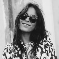 S P O T T E D // PICTURE PERFECT! @Lizzyvdligt wearing our ikat jacket, which is online available at www.a-la.nl | €80,- #Àla #alacollection #blog #lizzyvdligt #prettyface #blackandwhite #ikat #jacket #handmade #India #webshop