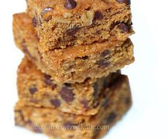 Healthy Chocolate Chip Blondies (with beans!)
