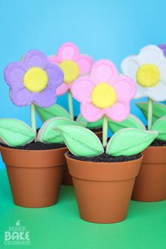 Flower Pot Cupcakes With Cookie Pop Flowers How-To