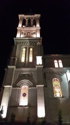 """Vista lateral de uma das torres da Igreja do Sagrado Coração de Jesus (""""Igreja Matriz"""") no centro de Farroupilha RS BR By @luccks (Galaxy Note4 full res)"""