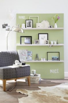 Do it yourself: Bilderwand selber machen - [LIVING AT HOME]