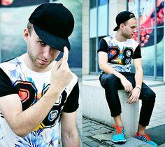 H Snapback, Zara Foral T Shirt, Nike Running Shoes, Litfashion Dropcrotch Pants