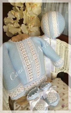 CANASTILLA ARTESANAL: Modelo 7, la elegancia y la sencillez Baby Socks, Baby Hats, Baby Baskets, Bebe Baby, Baby Cardigan, Cute Baby Clothes, Crochet For Kids, Baby Accessories, Kind Mode