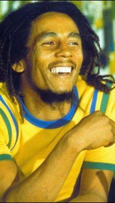 **Bob Marley** Barbizon Plaza Hotel, New York City, NY, USA, June 20, 1975. More fantastic pictures, music and videos of *Bob Marley* on: https://de.pinterest.com/ReggaeHeart/ ©Fikisha Cumbo/ www.caceinternational.com