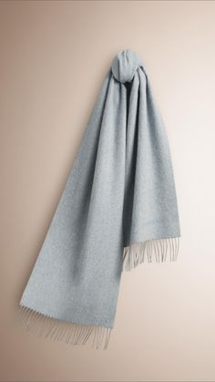 The Classic Cashmere Scarf Dusty Blue | Burberry