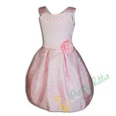 Kleid aufgenahte blumen