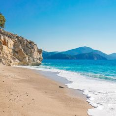 Huh, wonder why Fethiye's Kidrak Bay is also known as Paradise Beach? You got any guesses?⠀