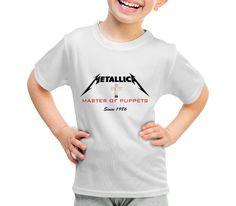 """Conforme havíamos prometido via nosso facebook (www.facebook.com/...), iniciamos nossa coleção """"Rock"""". Pretendemos criar T-Shirts exclusivas de bandas clássicas desde os anos 50 até a atualidade. E para iniciarmos, nada melhor que eles....Metallica! Desenvolvemos T-Shirts de toda a discografia da banda, de uma forma bem clássica e discreta. Assim você poderá utilizar nossas T-Shirts em qualquer lugar e horário!!!! Acompanhe em nosso site..."""
