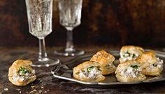 Pienet cocktailpalat - K-ruoka Finnish Recipes, Scandinavian Food, Christmas Party Food, Yams, Salmon Burgers, Finger Foods, Sushi, Good Food, Easy Meals
