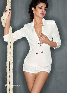 Bollywood beauty Priyanka Chopra sizzling hot Photoshoot for MAXIM Magazine December Priyanka Chopra is the hottest woman of 2013 according to Maxim India Priyanka Chopra Sexy, Actress Priyanka Chopra, Bollywood Actress, Shraddha Kapoor, Ranbir Kapoor, Deepika Padukone, Indian Celebrities, Bollywood Celebrities, Beautiful Celebrities