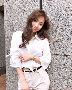 画像に含まれている可能性があるもの:1人 Japanese Beauty, Asian Beauty, Asian Woman, Asian Girl, Pretty Asian, Asian Style, Pretty Face, Cute Girls, Ideias Fashion