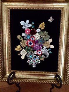 old jewelry used in crafts - Yahoo Image Search Results Costume Jewelry Crafts, Vintage Jewelry Crafts, Jewelry Frames, Jewelry Tree, Jewelry Boards, Jewelry Ideas, Brooch Display, Jewelry Christmas Tree, Pin Art