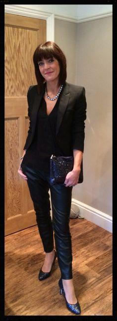 http://www.mymidlifefashion.com/2014/12/faux-fur-accessories-wiwt.html?m=1