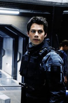 Dylan O'Brien as Thomas on Maze Runner: The Death Cure Production Stills Dylan O'brien Maze Runner, Maze Runner Thomas, Maze Runner Cast, Maze Runner Series, Stiles, Image Cinema, Film Science Fiction, Dylan O Brain, Dylan O Brien Cute
