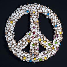 Peace Vol 4 Peace Zeichen aus Eierschalen Symbols, Art, Peace Signs, Egg Shell, Art Background, Kunst, Performing Arts, Glyphs, Art Education Resources