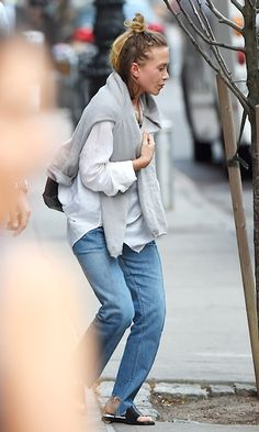 Olsens Anonymous Blog Style Fashion Get The Look Mary-Kate And Ashley Olsen Step Out In NYC With Light-Wash Denim Looks MK Top Knot Half Up Hair Sweater White Button Down Jeans Leather Sandals Candid photo Olsens-Anonymous-Blog-Style-Fashion-Get-The-Look-Mary-Kate-And-Ashley-Olsen-Step-Out-In-NYC-With-Light-Wash-Denim-Looks-MK-Top-Knot-Half-Up-Hair-Sweater-White-Button-Down-Jeans-Leather.jpg