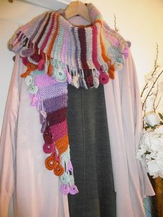 Circle Of Life Shawl By Sue Pinner - Free Crochet Pattern - (yarnartwithsuepinner.blogspot)