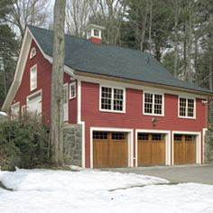 Historic renovation and home renovation specialists in Massachusetts. Greater Boston's old house experts. View our historic home renovation portfolio.