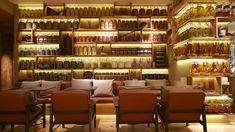 Muji Cafe & Meal by Super Potato Modern Restaurant, Japanese Restaurant Design, Restaurant Trends, Classic Restaurant, Luxury Restaurant, Cafe Restaurant, Green Interior Design, Interior Design Business, Bakery Interior