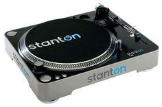 Un exemple de platine vinyle idéale pour débuter : la Stanton T.52, vendue avec cellule, feutrine,... 170 euros pièce.