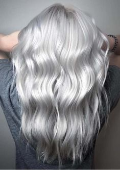 Gorgeous Silver Blonde Hair Color Shades to Get Inspired in 2018 - Hair - Hair Styles Silver White Hair, Silver Blonde Hair, Platinum Blonde Hair, Silver Hair Colors, Silver Color, Silver Platinum Hair, Long Silver Hair, Grey Blonde Hair, Grey Hair Dyes