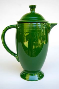 Google Image Result for http://vintageamericanpottery.com/fiestaware/1-50s_Fiesta_Vintage_Fiestaware_Forest_Green_Coffee_Pot_For_Sale_Rare_Hard_To_Find_Americana_Solid_Color_Dinnerware_01.jpg