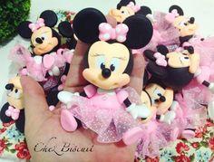 Apliques da Minnie em biscuit. Minnie Mouse in clay, Minnie in cold porcelain, minnie em porcelana fria