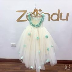 Baby Girl Dresses Diy, Gowns For Girls, Frocks For Girls, Flower Girl Dresses, Baby Frocks Designs, Kids Frocks Design, 1st Birthday Girl Dress, Kids Dress Collection, African Dresses For Kids