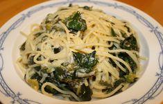 Spaghetti mit Blattspinat Spaghetti, Pasta, Ethnic Recipes, Food, Noodle, Food Dinners, Losing Weight, Essen, Eten
