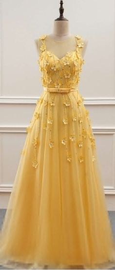 Yellow evening gown, mermaid white, pearl long ball