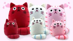 Dicke Katze Valentine Cats now available at many Hallmark Stores. Check dickekatze.com and the store locator for the stores nearest you. If none close by, ask your nearest Hallmark to get them.